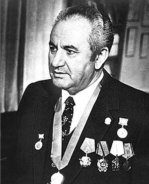 АВЕТИСОВ Эдуард Сергеевич (1921—2001)